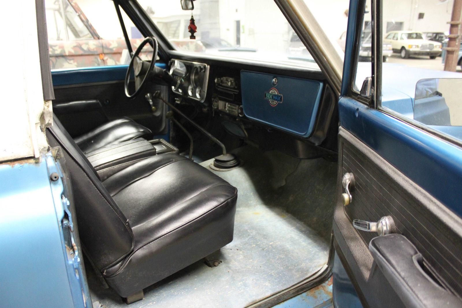 1972 Chevy K5 Blazer 4x4    4-speed Manual Trans    350ci