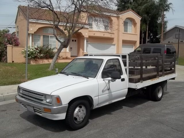 1990 toyota tacoma pickup working truck 1991 1993 1994 1995 nissan frontier classic. Black Bedroom Furniture Sets. Home Design Ideas