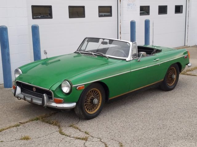 barn find 1970 mg mgb sport roadster convertible gt wire wheels classic mg mgb 1970 for sale. Black Bedroom Furniture Sets. Home Design Ideas