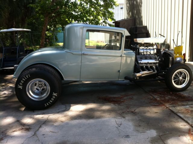 Ford 3 window coupe steel body for sale expert auto autos for 1933 dodge 5 window coupe