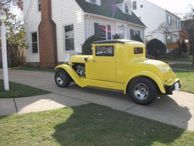 1929 ESSEX 2-DOOR COUPE STREET ROD ( RARE CAR) - Classic