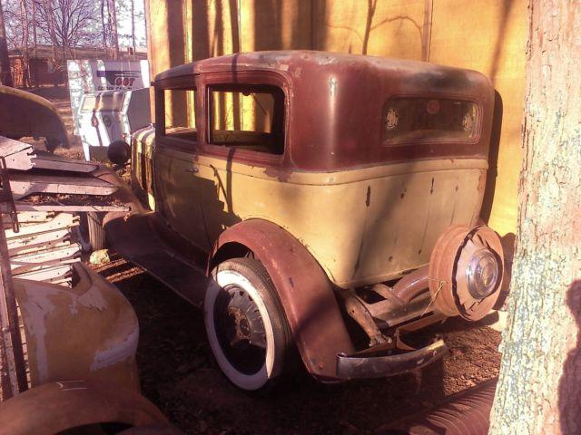1931 pontiac 2 door sedan chevy ford dodge barn find for 1930 pontiac 4 door sedan