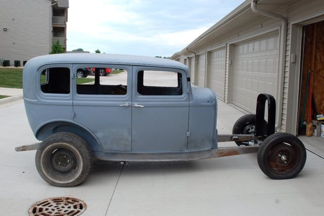 1932-ford-4-door-sedan-project-car-5.jpg