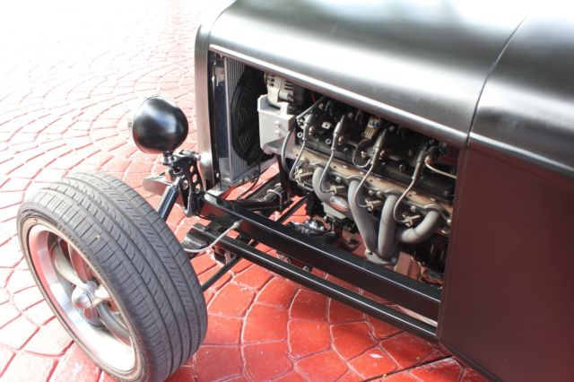 1932 Ford Roadster Hot Rod Downs Body - LS1 Engine - Classic Ford Model B 1932 for sale