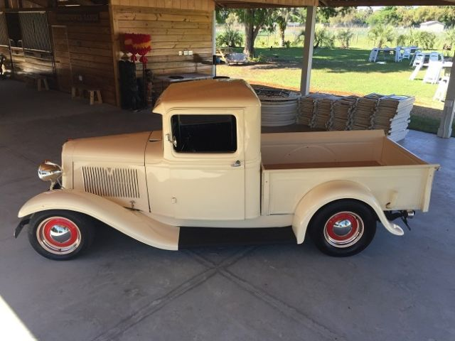 1934 Ford street rod pickup truck 400HP crate engine V8 - Classic