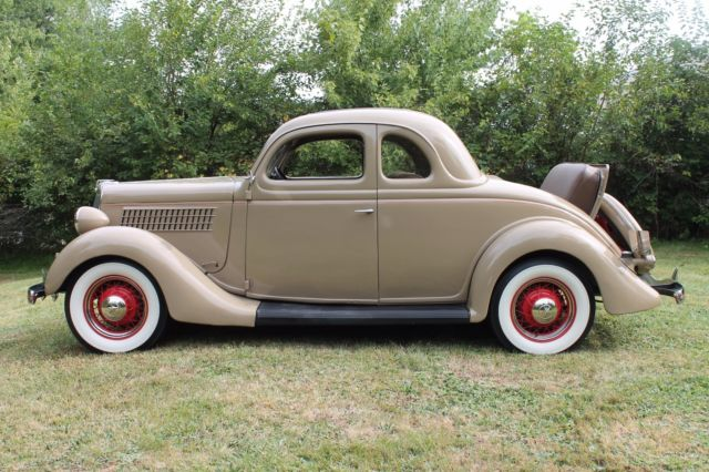 1935 ford five window rumble seat coupe in beautifully for 1935 ford three window coupe