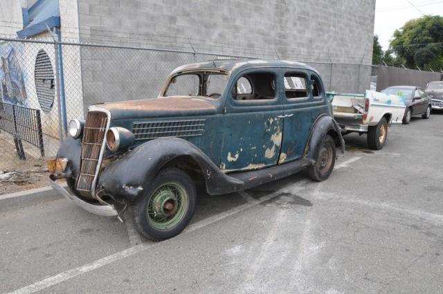 1935 ford fordor notchback sedan classic ford fordor for 1935 ford 4 door sedan