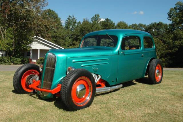 1936 Chevrolet Sedan Special – 2 Door Street Rod A/C, 350