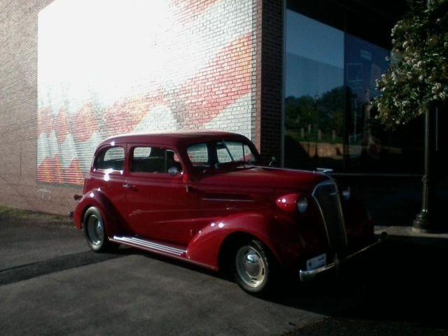 1937 chevrolet restored 2 door sedan classic chevrolet for 1937 chevy 2 door coupe