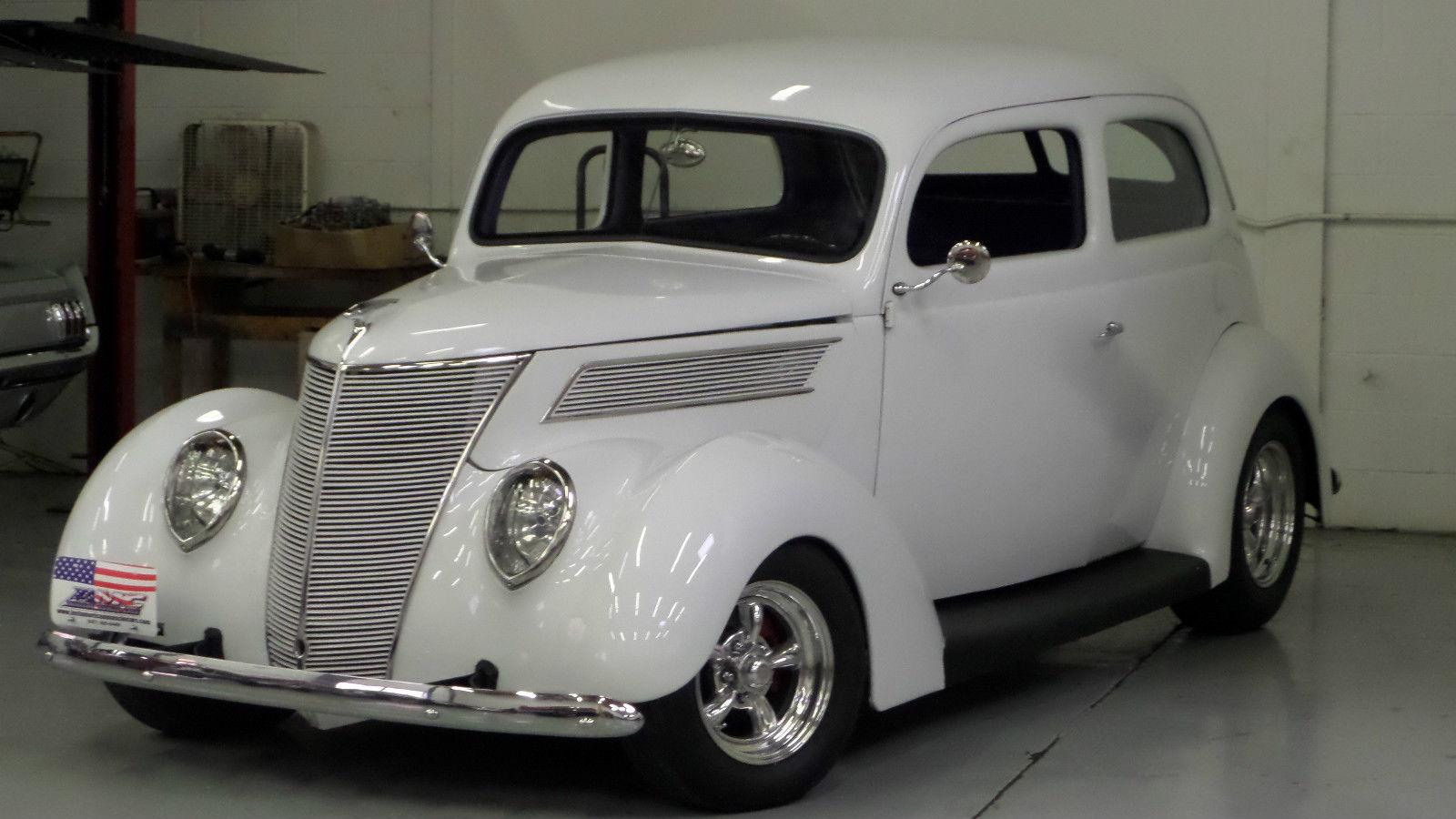 1937 Ford Coupe Street Rod Flathead Streetrod Beauty