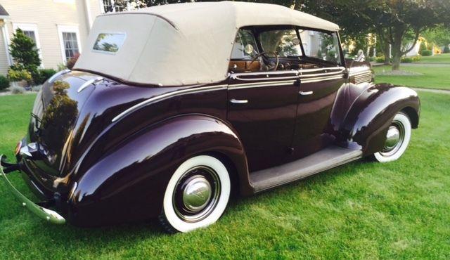 [Pilt: 1938-ford-deluxe-phaeton-model-81a-beaut...ored-4.JPG]