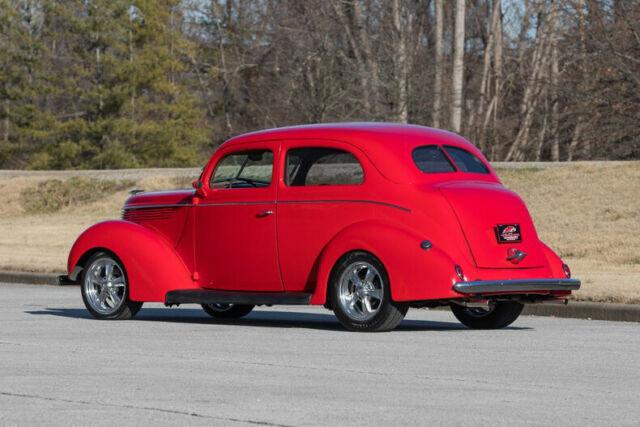 1938 Ford Tudor Sedan Supercharged Flathead V8 5 Speed Manual Street