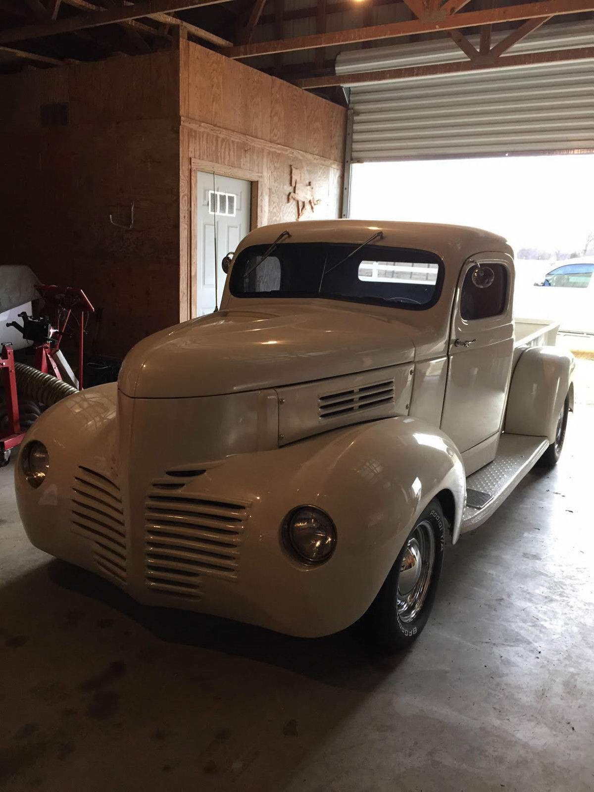 1946 dodge pickup completely restored with 350 chevy for Dodge motors for sale