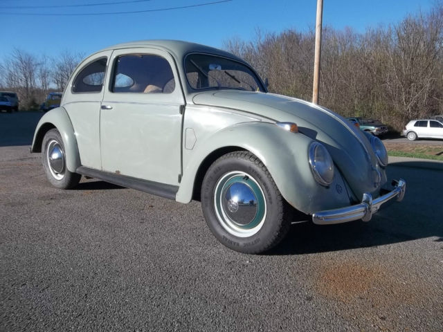 1952 volkswagen beetle split window mike wolfe american picker classic volkswagen beetle. Black Bedroom Furniture Sets. Home Design Ideas