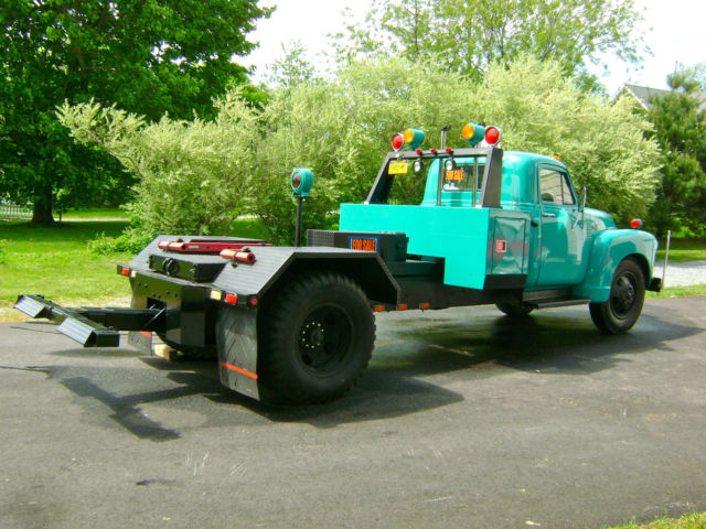 1953 Chevrolet 6500 Tow Truck Wheel Lift Wrecker