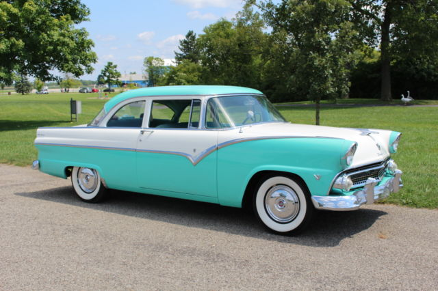 1955 Ford Fairlane Club Sedan 272 V8 Fordomatic Hot Rod