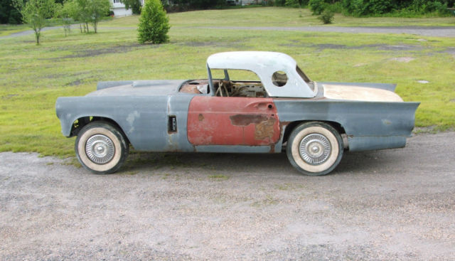 1957 FORD THUNDERBIRD PROJECT CAR FOR RESTORATION OR PARTS - Classic Ford Thunderbird 1957 for sale