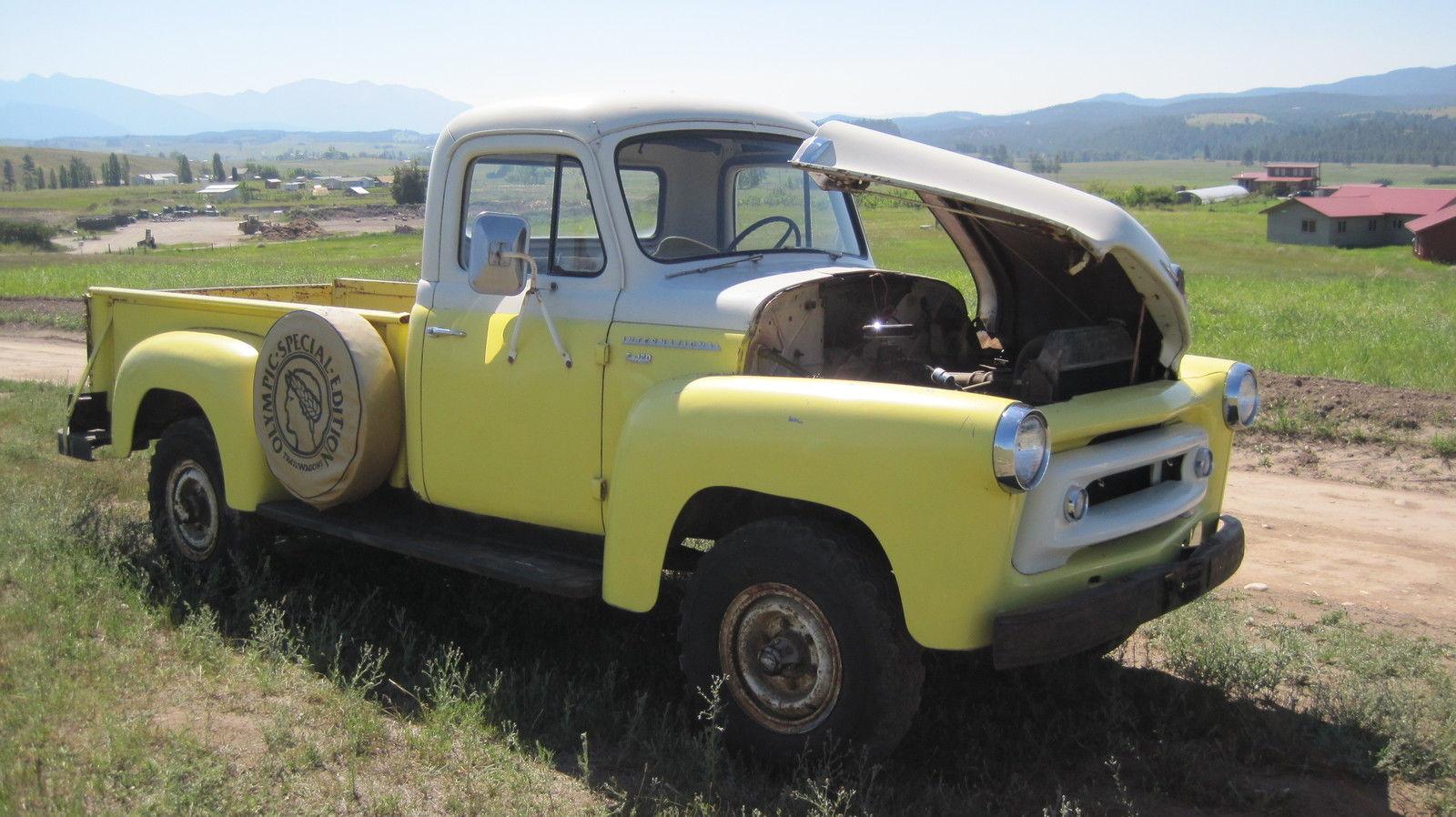 1957 International S-120 4X4 pickup - Classic International
