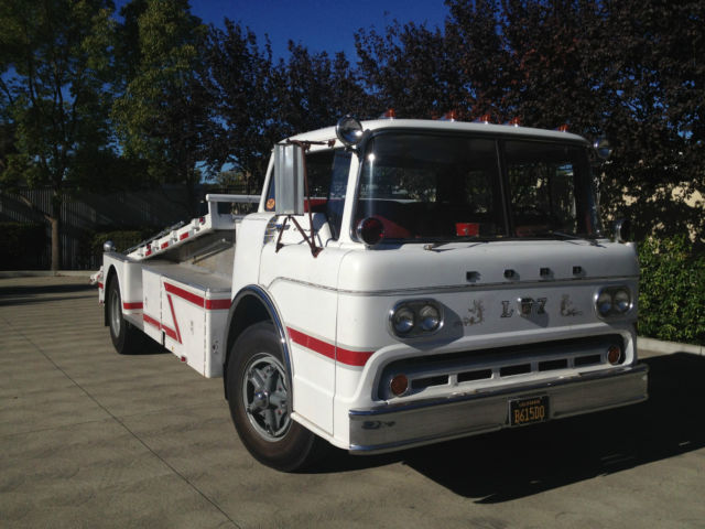 1958 Ford C800 Vintage Cab Over Car Hauler Ramp Truck Coe