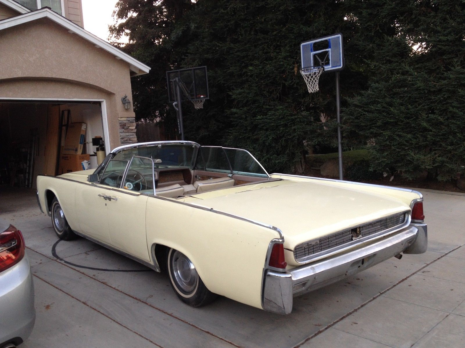 1962 lincoln continental convertible with suicide doors. Black Bedroom Furniture Sets. Home Design Ideas