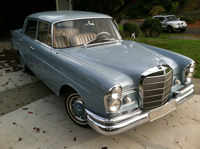 1962 Mercedes Benz 220s W111 Series Fintail Heckflosse