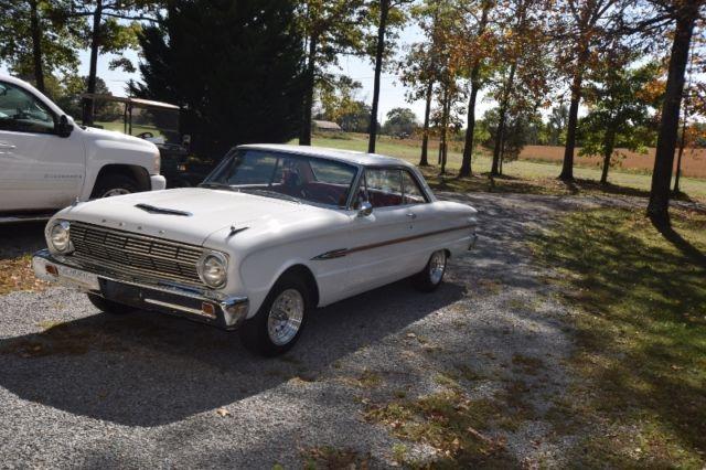 156920 1963 Ford Falcon Futura 2 Door Hardtop White Wred Interior Bucket Seats
