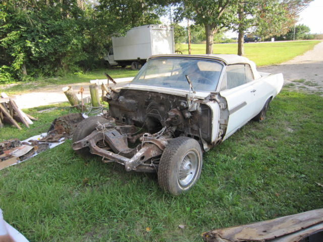 1963 PONTIAC BONNEVILLE CONVERTIBLE PARTS CAR - Classic