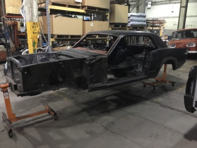 1964 1 2 ford mustang coupe body shell with title 289 4 barrel 4 speed car classic ford. Black Bedroom Furniture Sets. Home Design Ideas