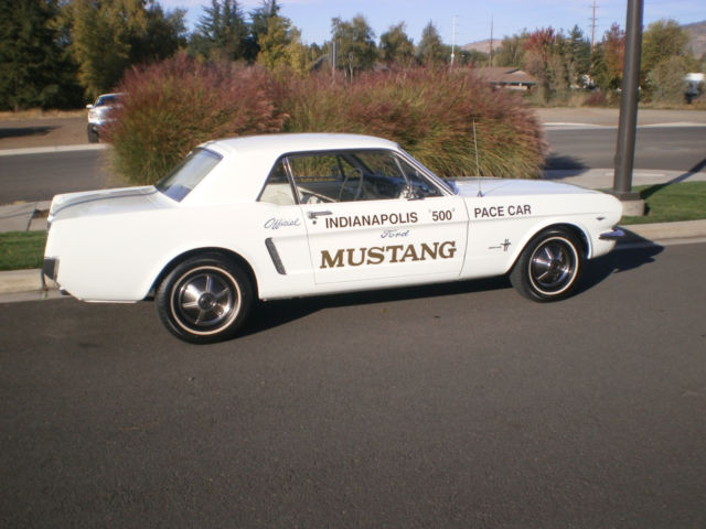 Car Dealerships Medford Oregon >> 1964 1/2 Mustang Pace Car Replica Coupe (REAL) 260 V8 1965 Very Clean & Original - Classic Ford ...