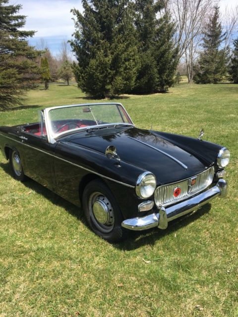 1964 MG Midget includes portable garage (trailer ...