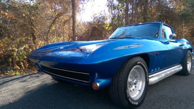 1965 Corvette coupe automatic Great restomod start - Classic