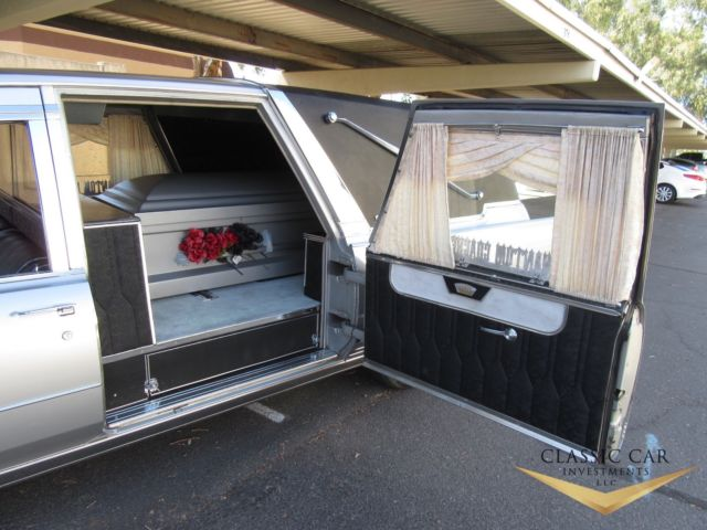 1966 Cadillac Superior Crown Sovereign Hearse - Extremely