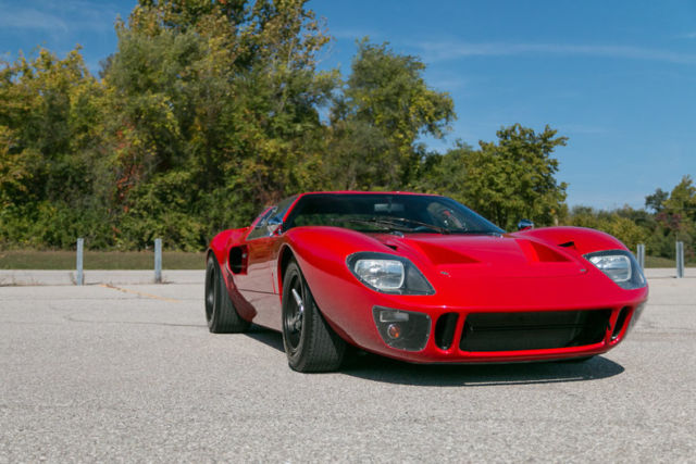 1966 ford gt40 by superformance mk1 408ci v8 600 hp racecar
