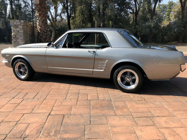 1966 ford mustang restomod v8 ps see video no. Black Bedroom Furniture Sets. Home Design Ideas