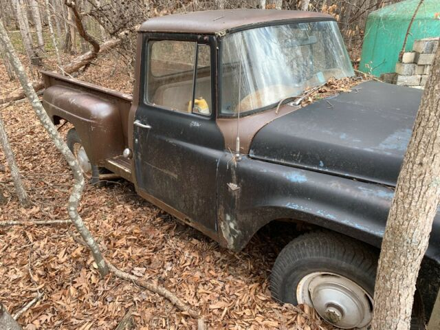 1966 International Harvester 4x4 Pickup (includes second