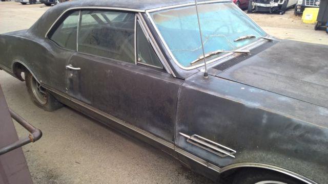 1966 Oldsmobile 442 (Parts car or Possible rebuilder