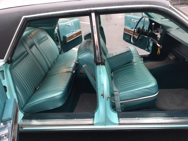 1967 lincoln continental suicide doors classic lincoln. Black Bedroom Furniture Sets. Home Design Ideas