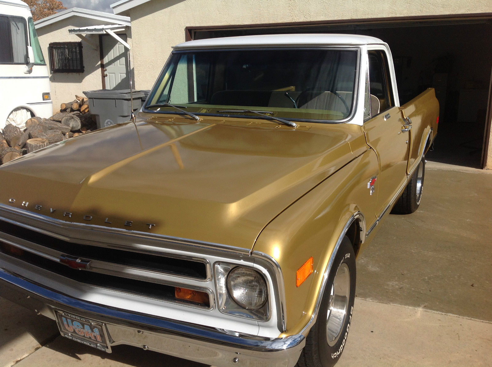 1968 Chevrolet C10 Anniversary Gold Edition Shortbed