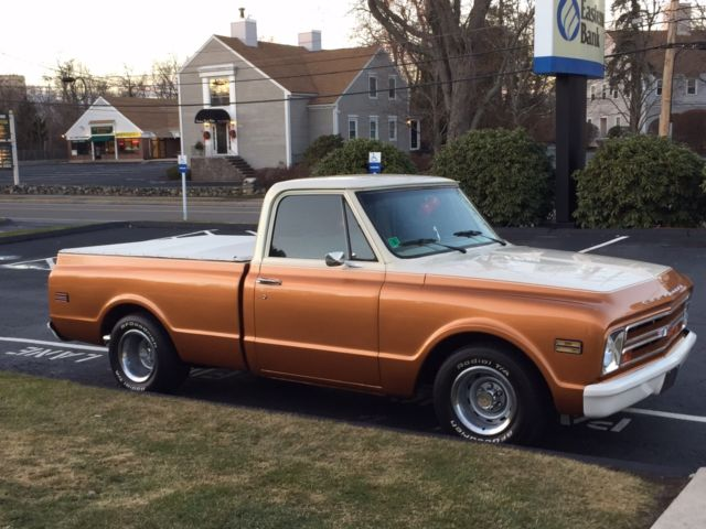 1968 Chevy C10 short bed. Custom two tone paint, LOW ...