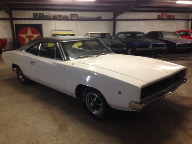 1968 dodge charger 318 v8 auto console buckets very nice driver 68 mopar classic dodge charger. Black Bedroom Furniture Sets. Home Design Ideas