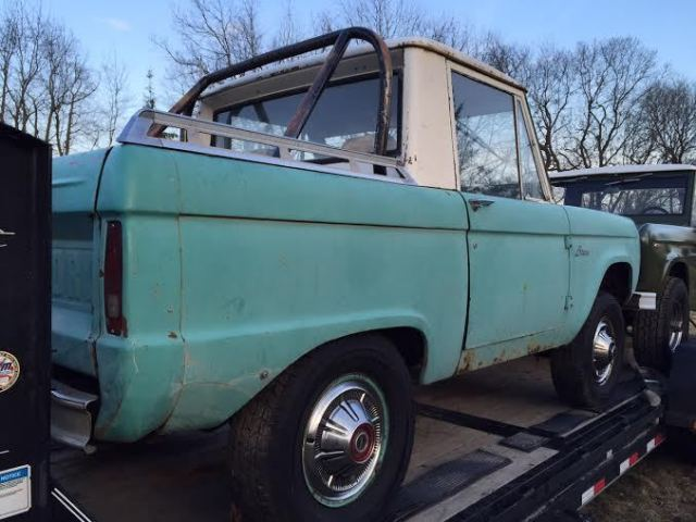 1968 Ford Bronco HALF CAB PrevNext
