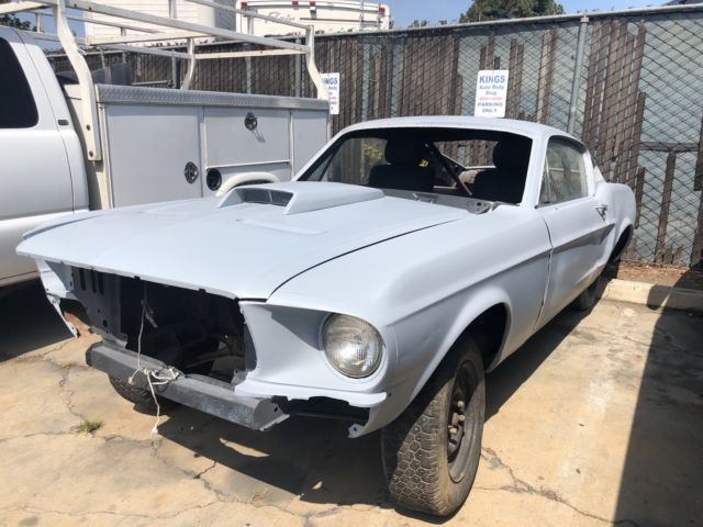 1968 ford mustang fastback - rolling chassis / solid project