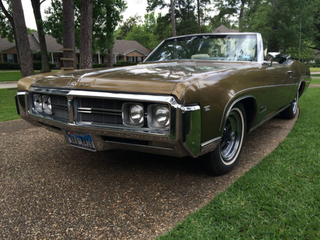1969 Buick Wildcat Convertible Red Antique Gold Off