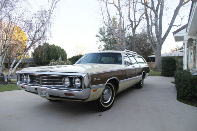 1969 Chrysler Town Amp Country Station Wagon High Option