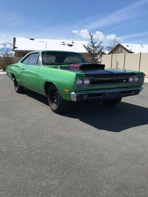1969 Dodge Super Bee 440 Six Pack A12 - Classic Dodge