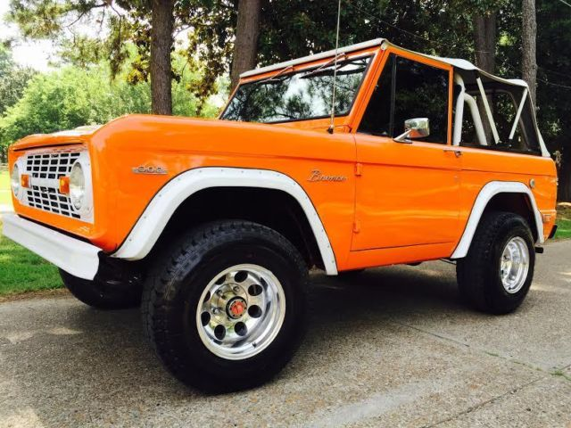 1969 Ford Bronco 302 Automatic Dana 44 Beautifully Built