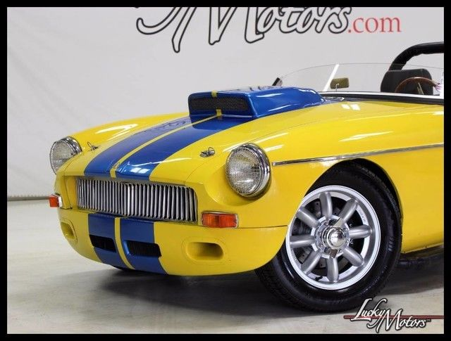 1969 Mg Mgb Convertible Auto 2650 Miles Yellow W Blue