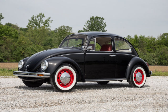 volkswagen beetle essay Adolf hitler and volkswagen sitting at a restaurant table in munich in the summer of 1932, hitler designed the prototype for what would become the immensely successful beetle design for volkswagen (literally, the car of the people.