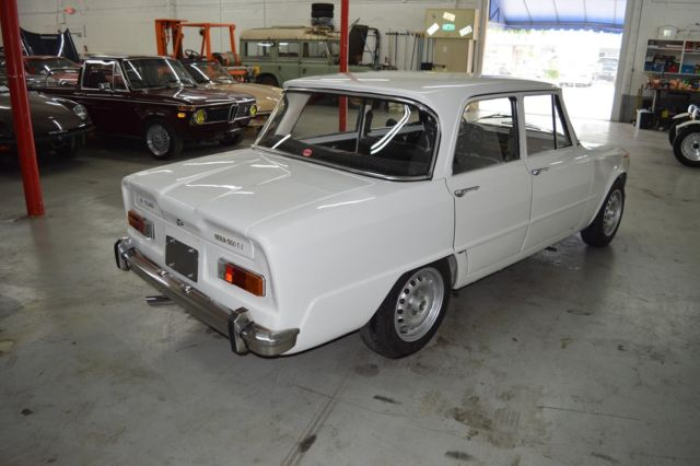 1970 alfa romeo giulia ti 1300 white great deal classic. Black Bedroom Furniture Sets. Home Design Ideas