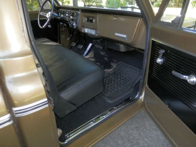 1970 Chevrolet C10 Gold Factory Short Bed V8 116023